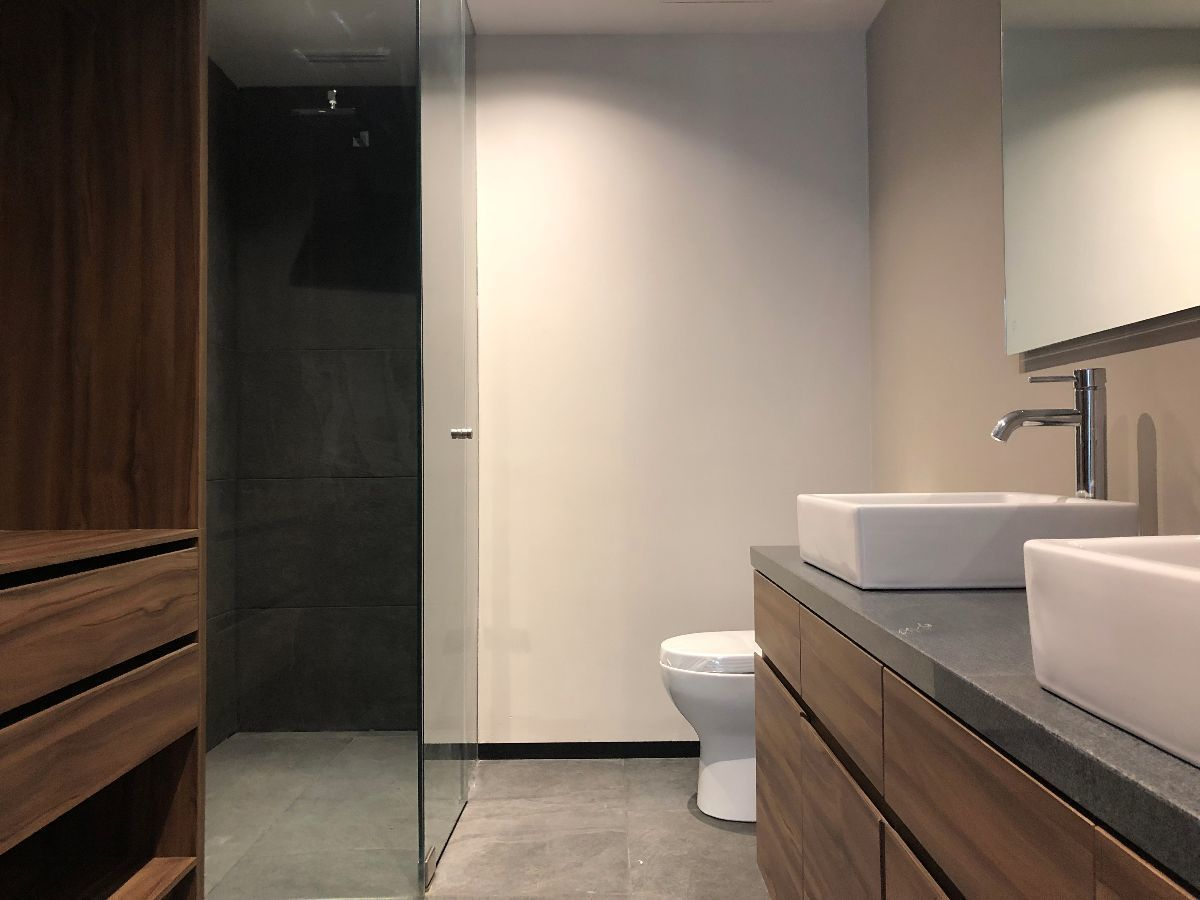 11 de 16: Foto del baño principal en una de las recámaras