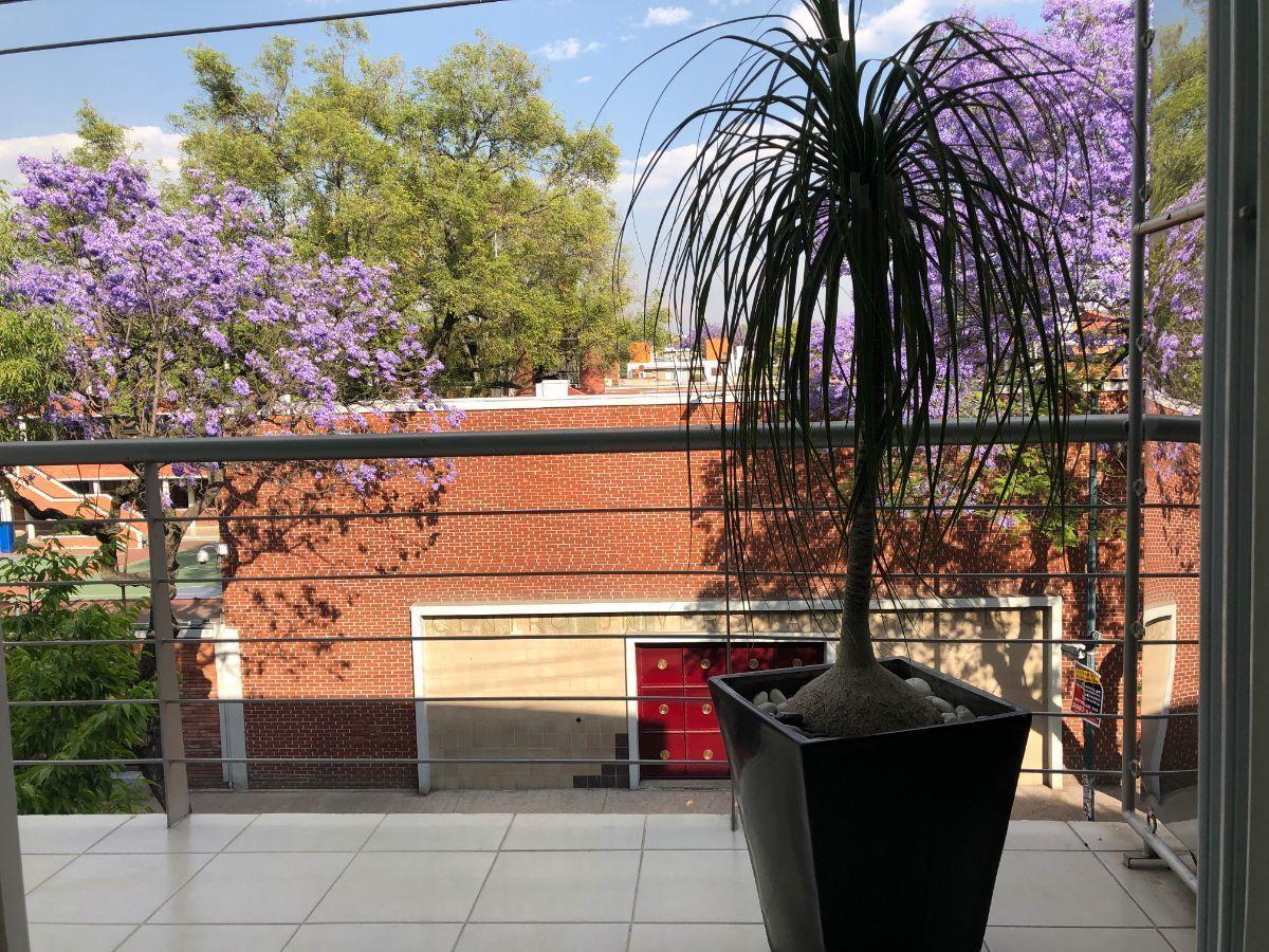 8 de 21: Balcón