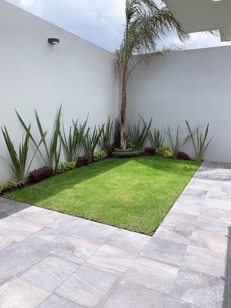 15 de 15: Jardín