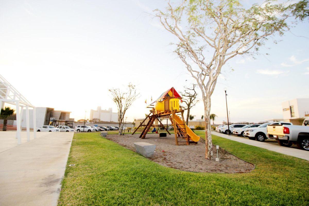 10 de 17: Área de juegos infantiles