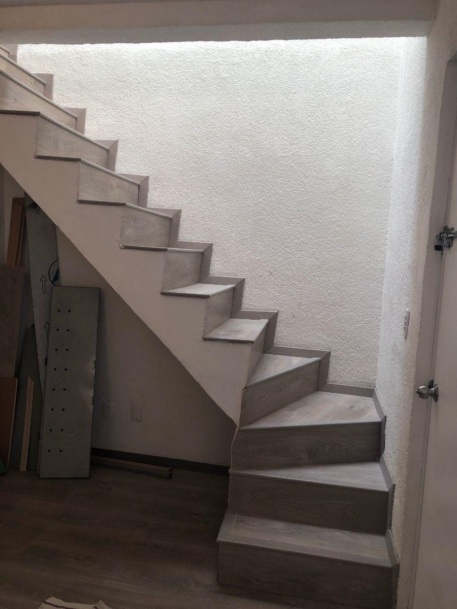 7 de 17: Escaleras
