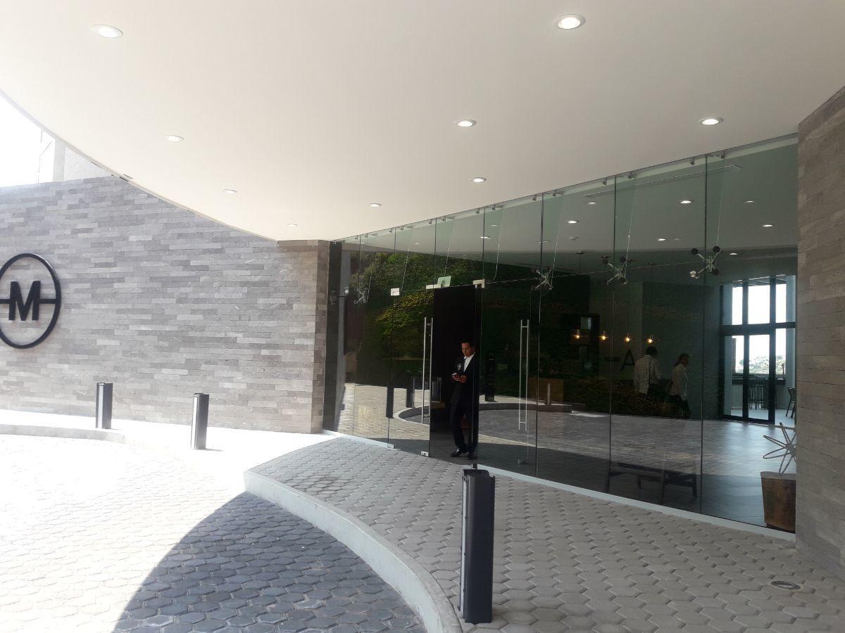 2 de 19: Entrada Edificio MOTTO