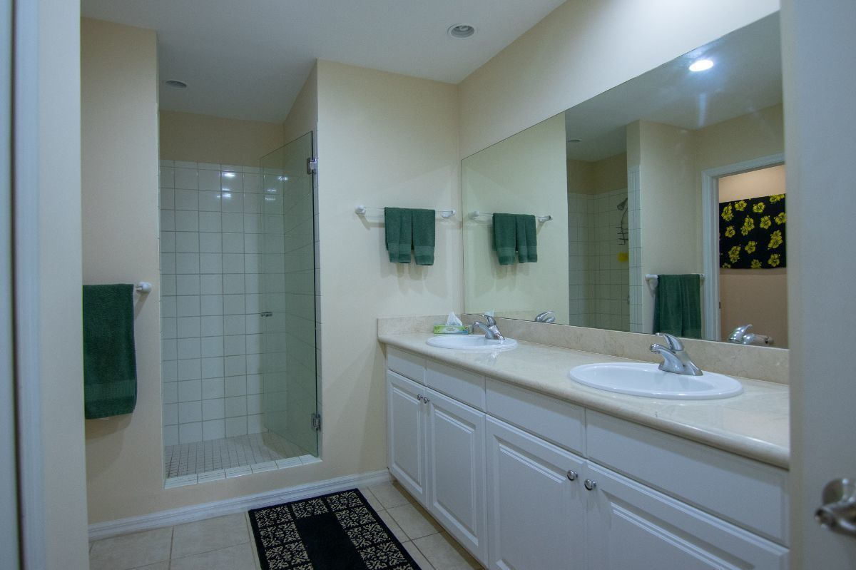 6 of 13: Bathroom