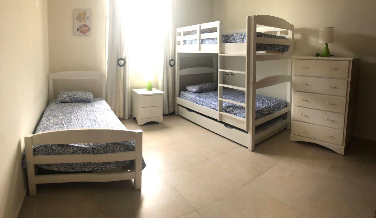 8 of 13: 3rd bedroom