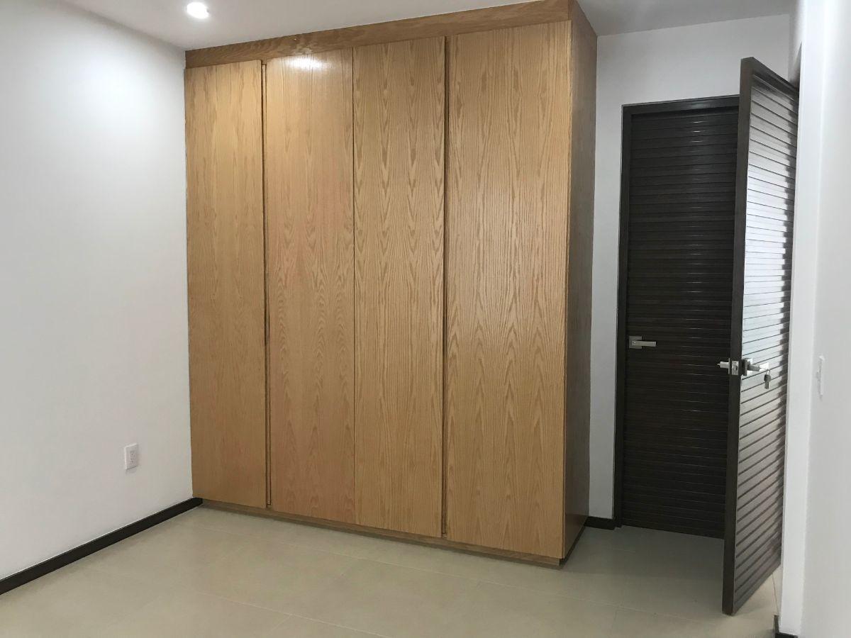 12 de 48: Closet recámara 2