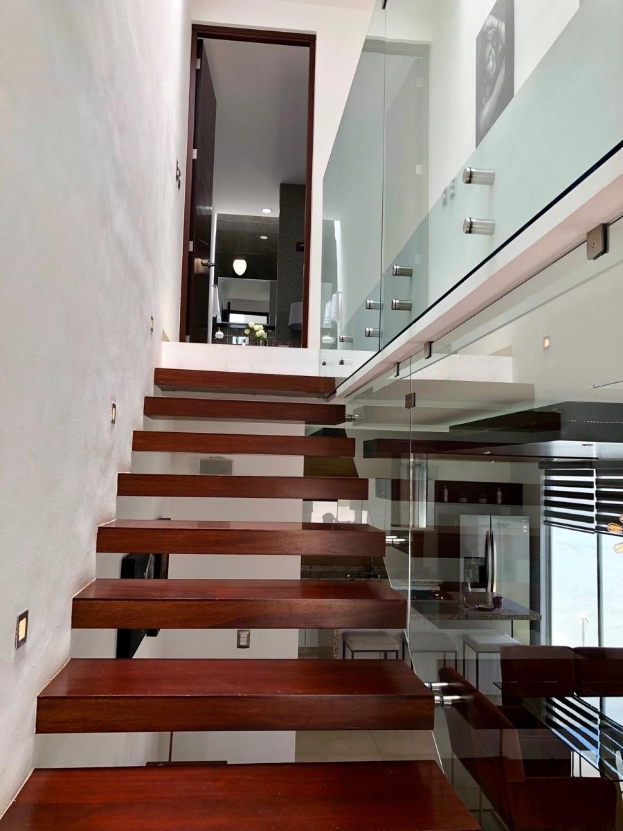 11 de 23: Escaleras