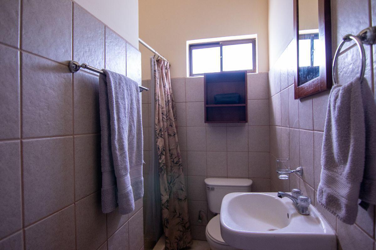 7 of 10: 2nd bathroom