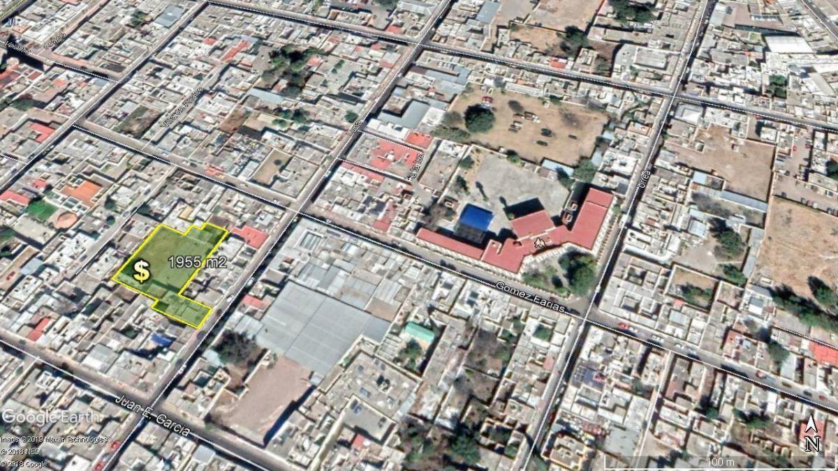 1 de 6: Extensa área con 14 m de frente a calle luna