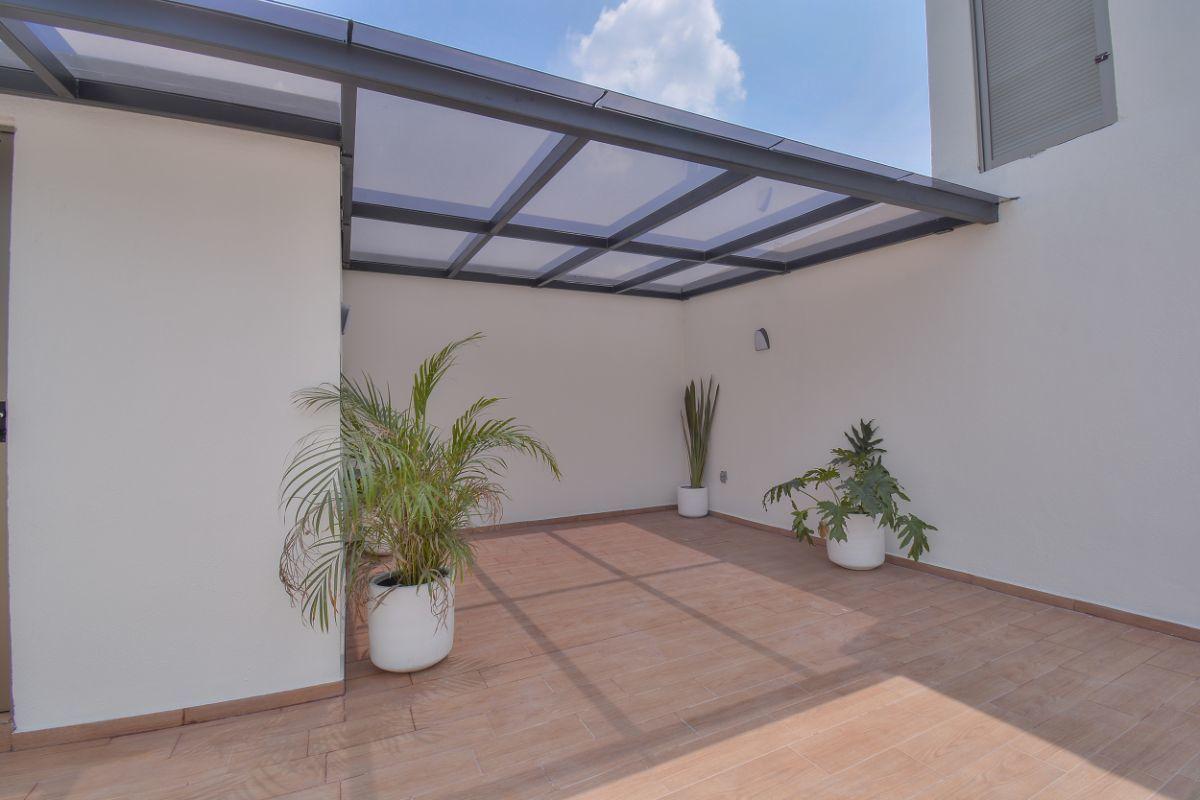 29 de 32: Roof garden con vidrio inteligente