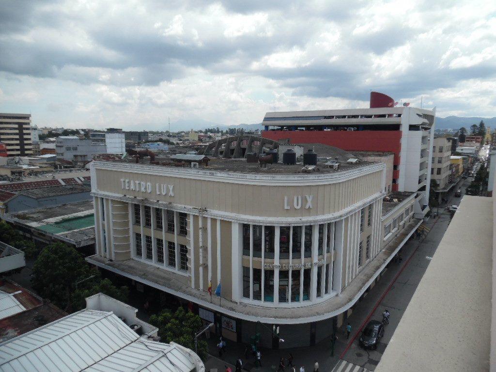 1 de 11: Entorno este es Centro Cultural, antiguo  cine Lux