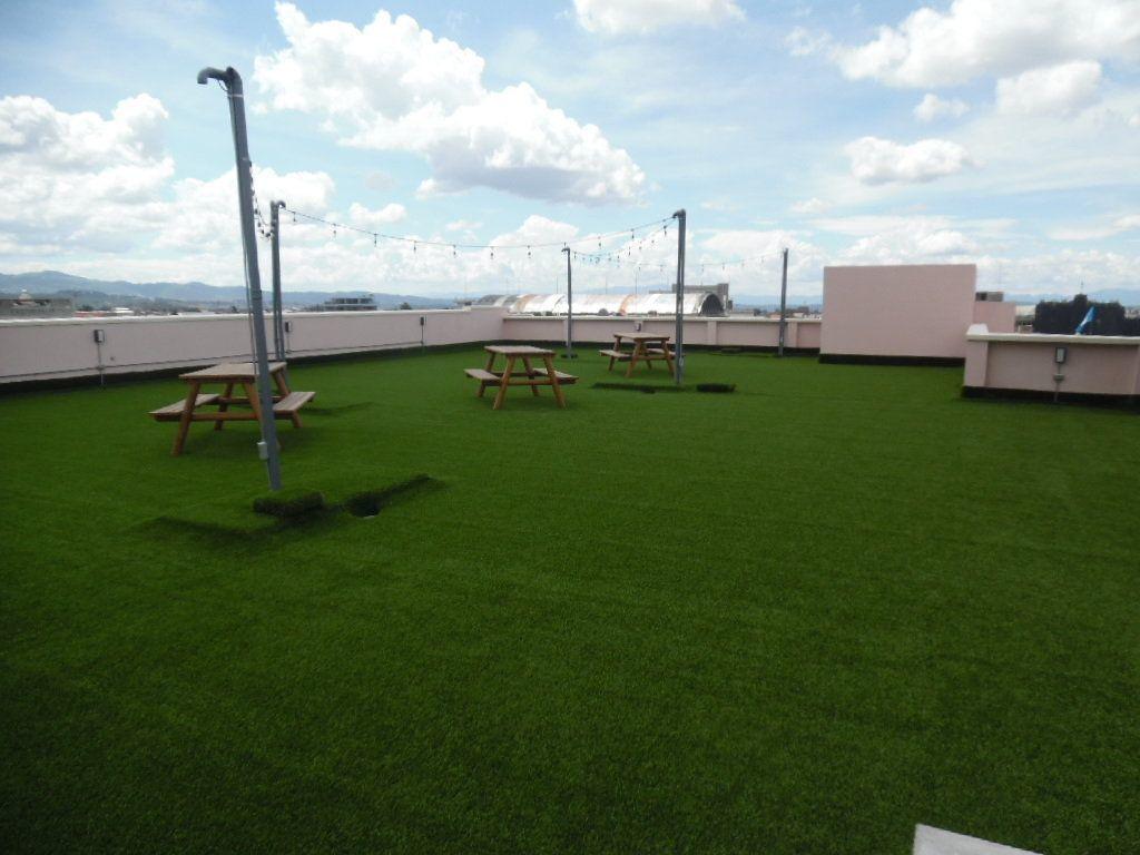 11 de 11: Amplia terraza verde