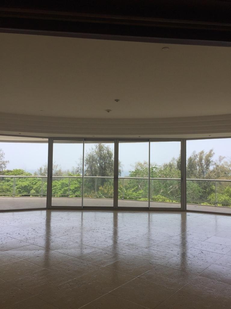 1 de 19: Sala + balcón