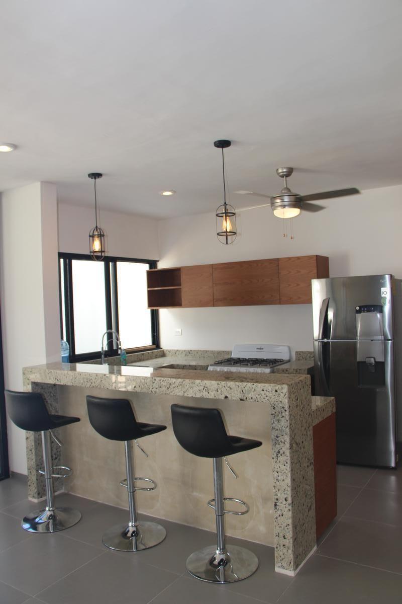 6 de 43: Ventilador en cocina y ventilación natural.