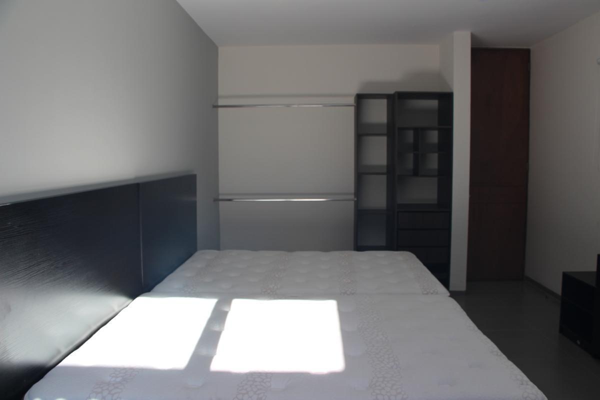 21 de 43: Se incluyen ventiladores y closets.