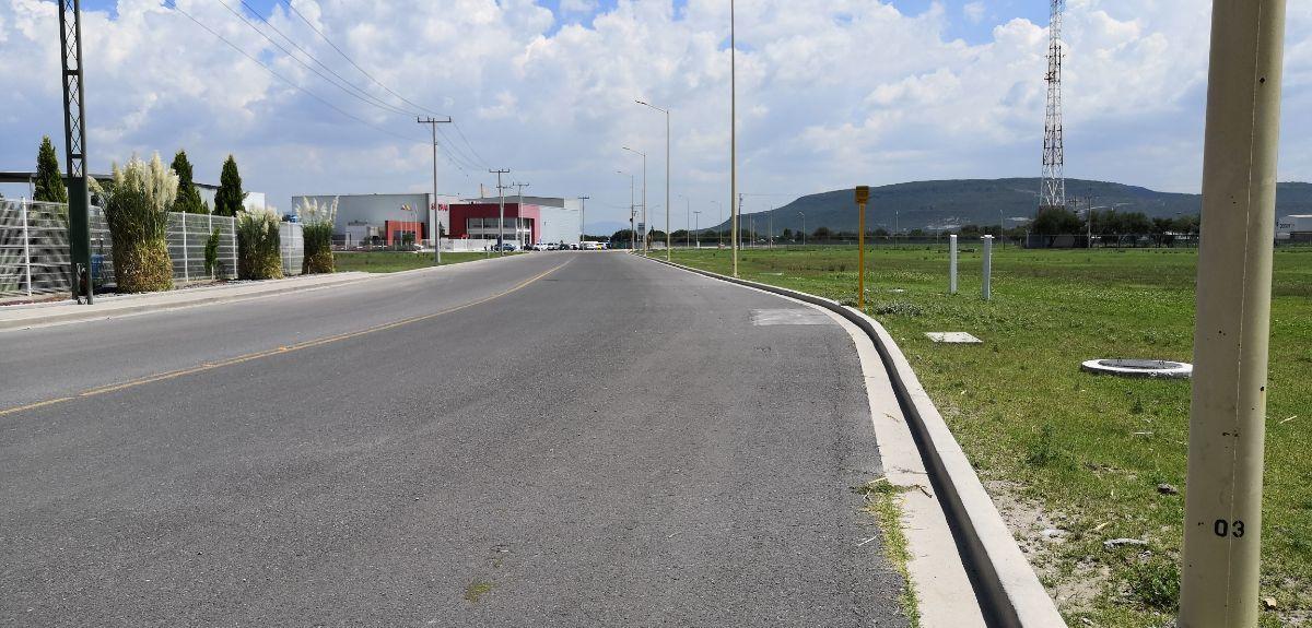 9 de 11: Vista de avenidas colindantes con la propiedad