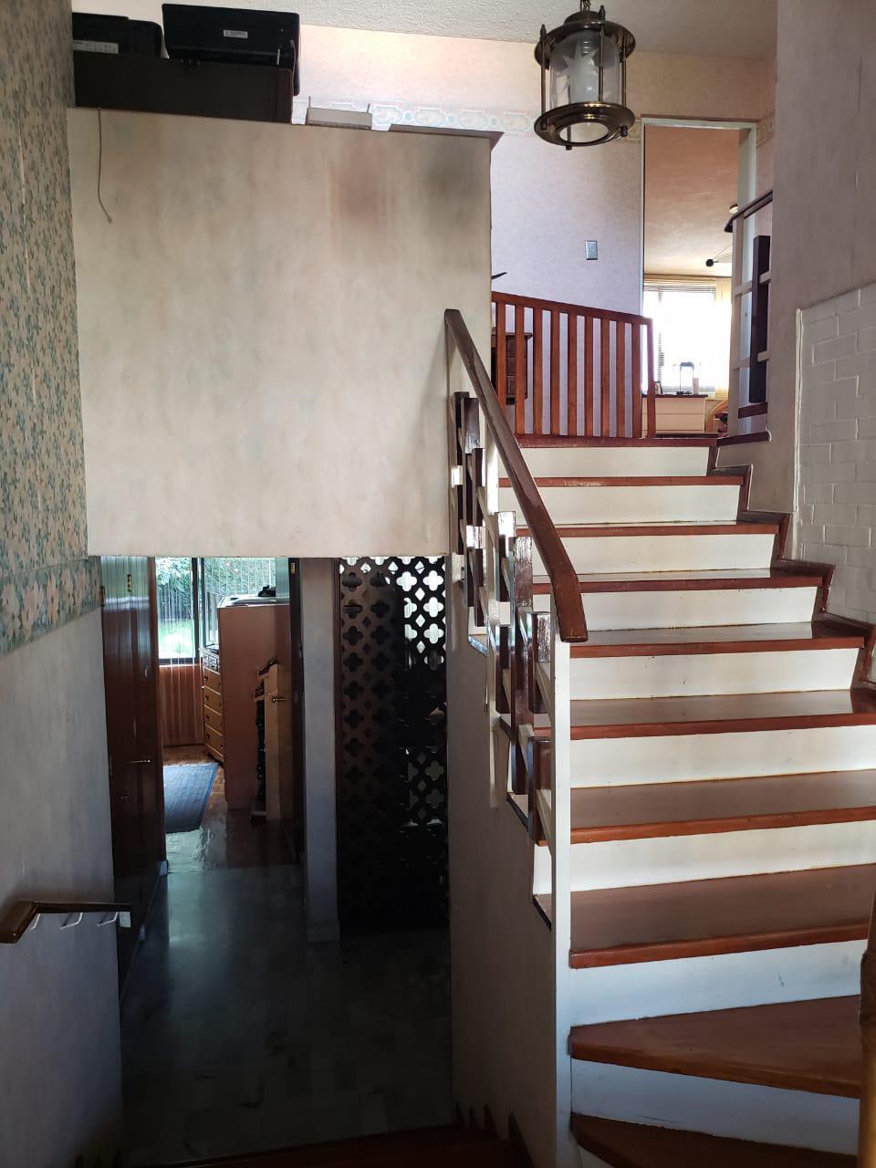 11 de 30: escaleras para el segundo nivel