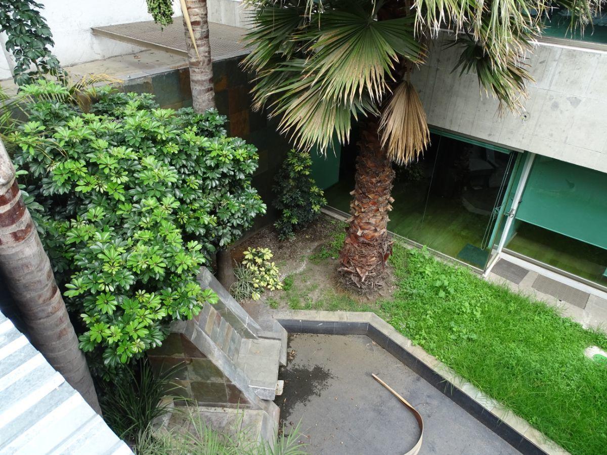 23 de 28: Vista al patio interior del 2º piso