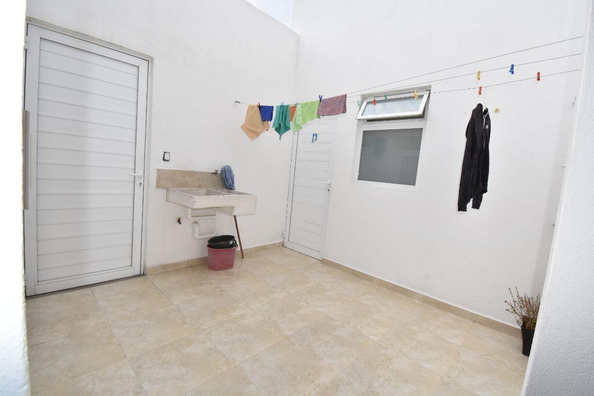 40 de 40: patio  de lavado