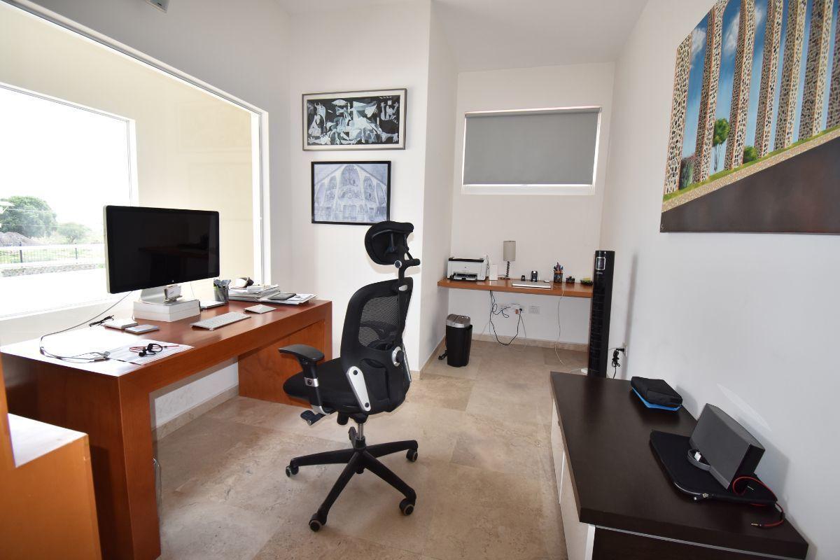 34 de 40: Oficina