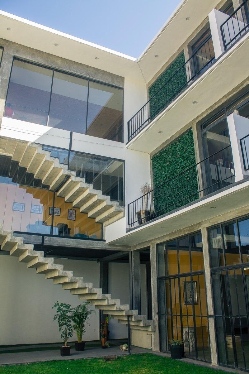 10 de 10: Edificio de 3 niveles de construcción