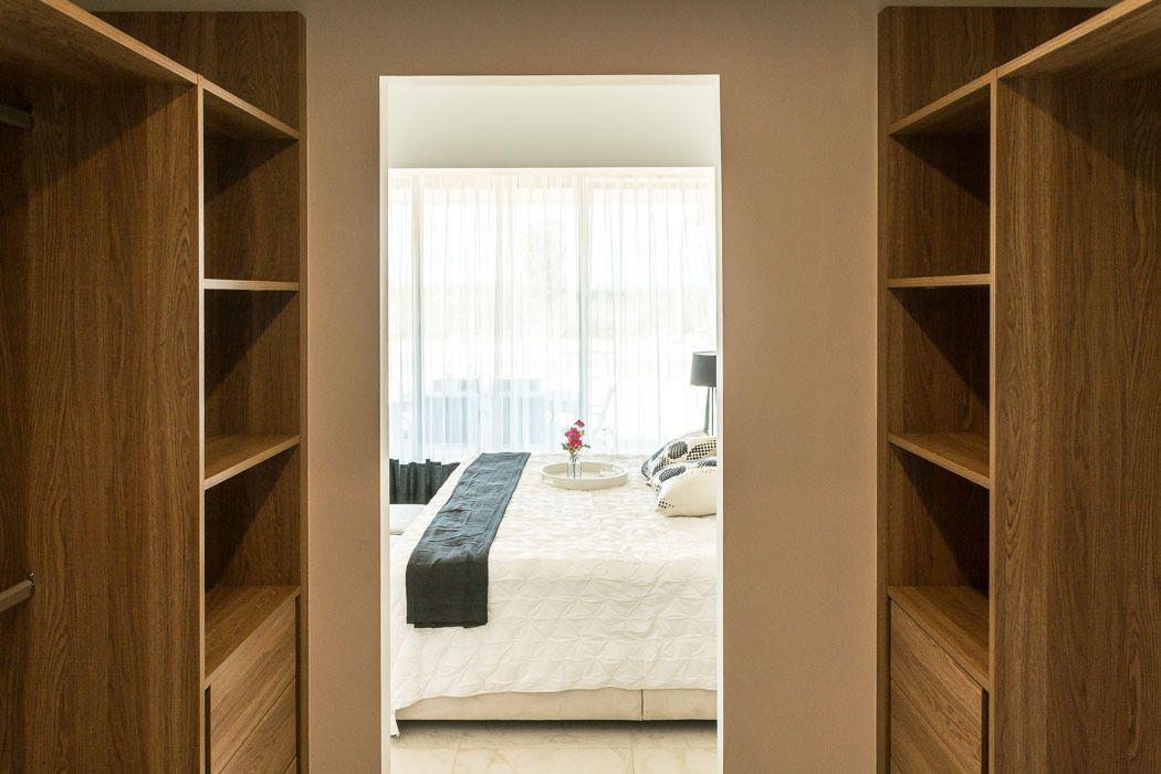 13 de 19: Closet vestidor
