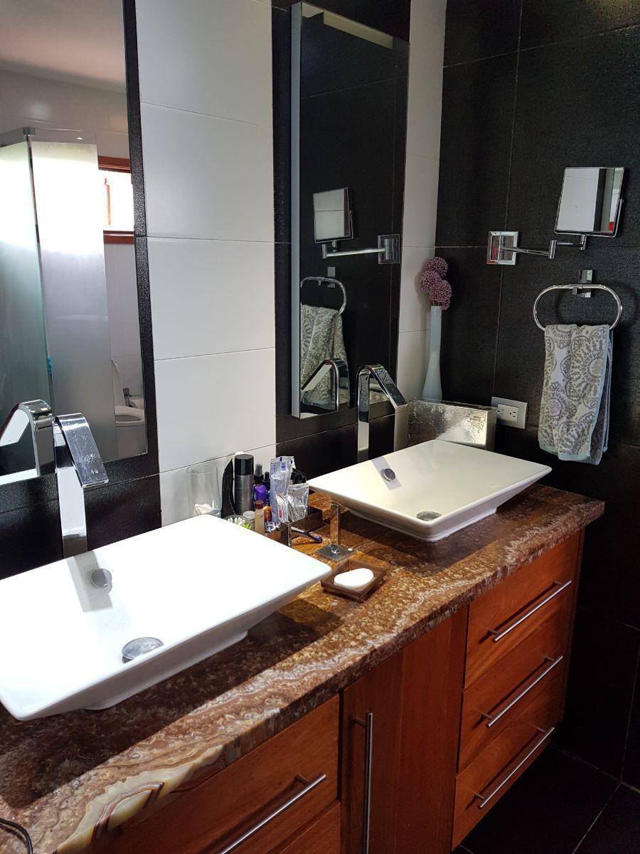 11 de 35: baño habitacion principal