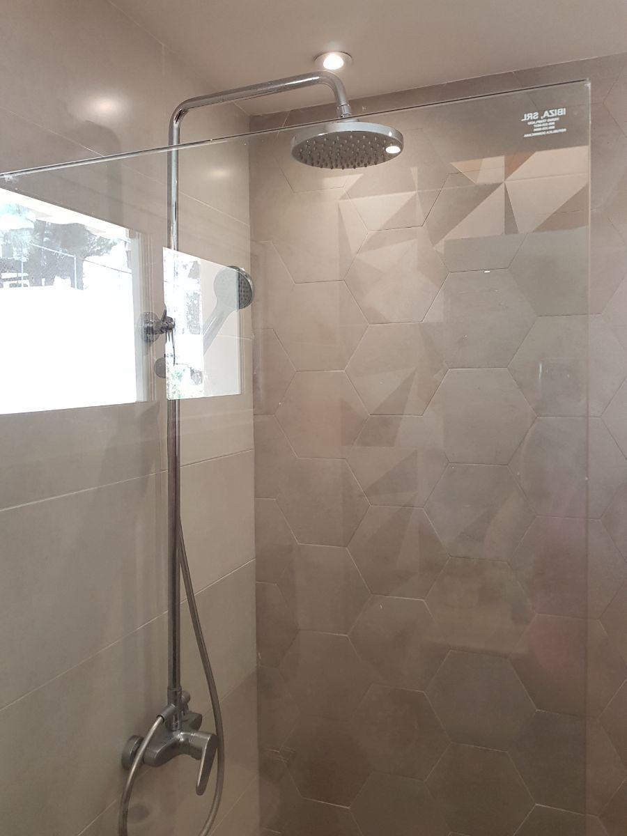 15 de 35: ducha habitacion secundaria