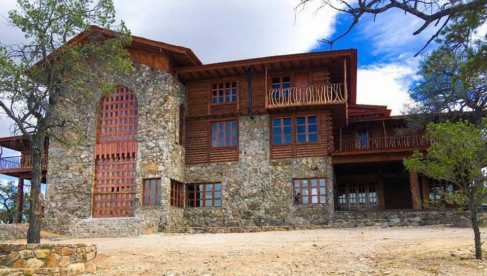 1 de 8: Hotel Bosques de Montesion
