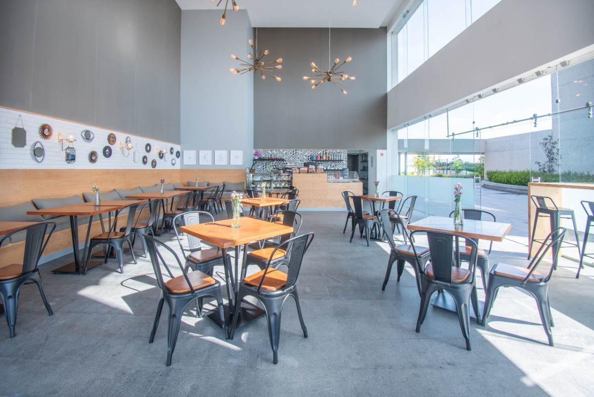 11 de 13: Cafetería (área común)