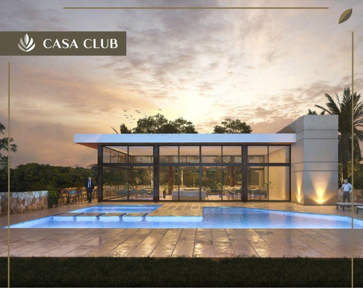 11 de 13: Piscina Casa Club