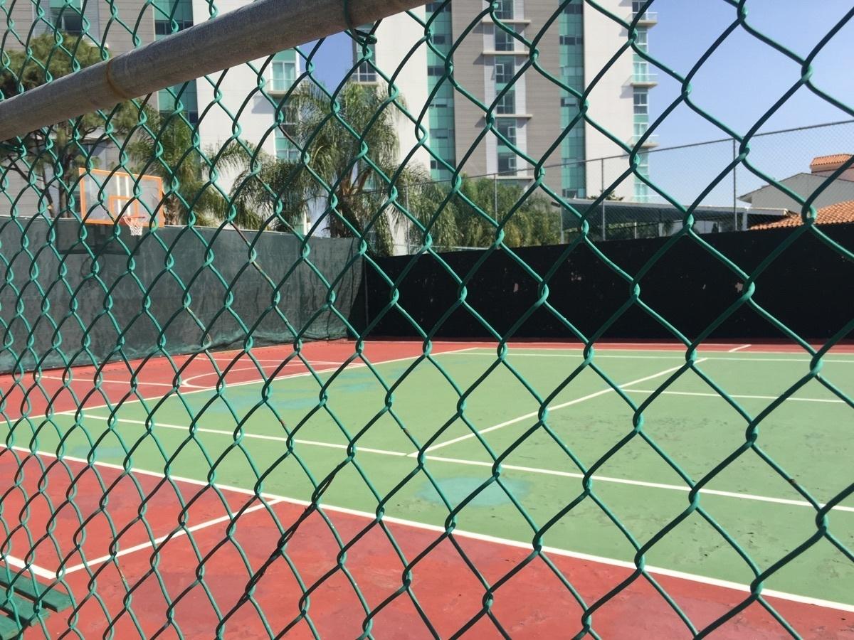 21 de 23: cancha de tenis