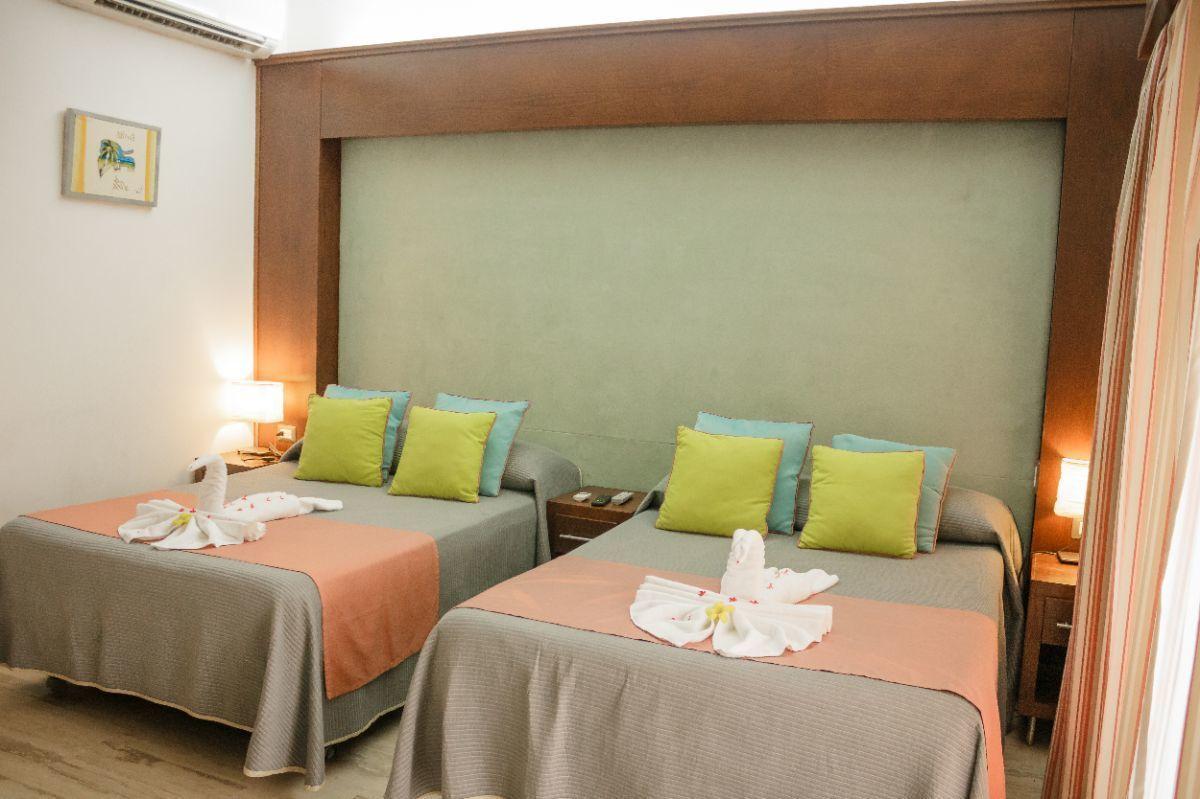 2 de 36: Vacation Rental Apartments  whitesands punta cana