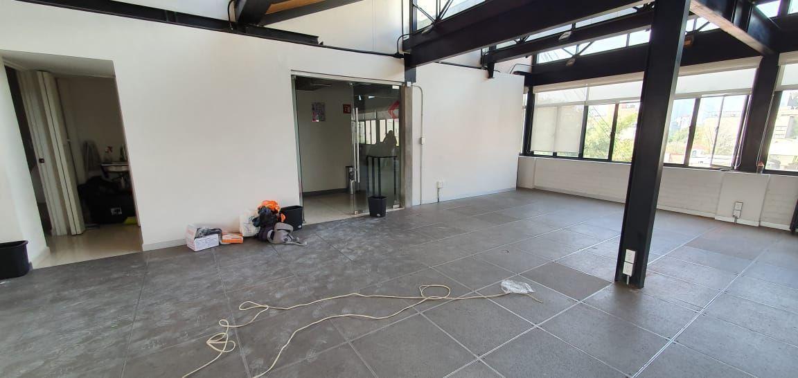 12 de 14: area de coworking en construcción