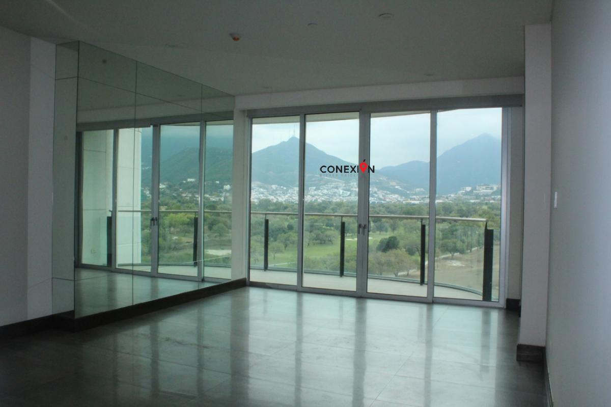 13 de 17: Amplia Sala con Hermosa vista panorámica, Balcón