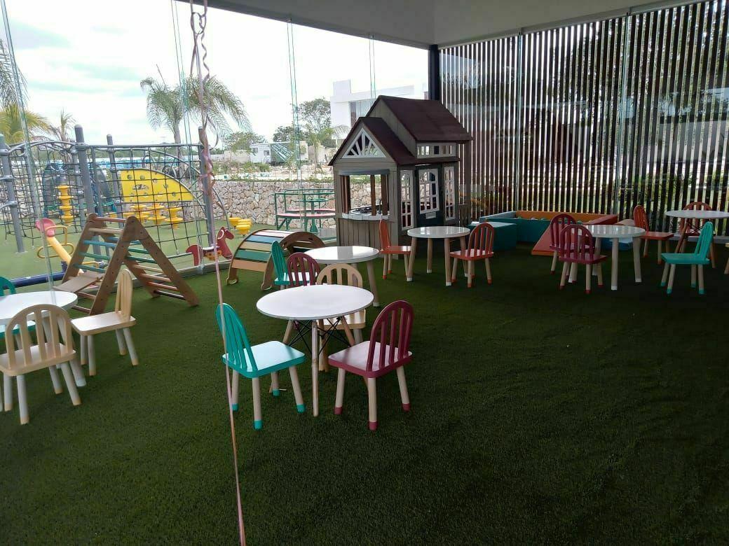 21 de 35: Área Infantil Climatizado