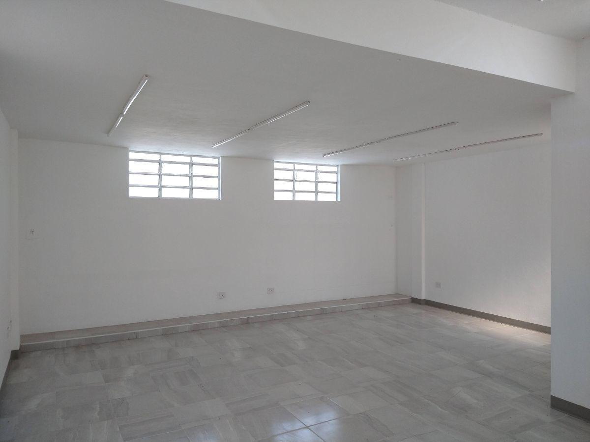 3 de 27: Area de oficinas