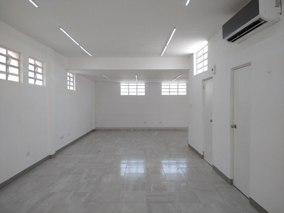 1 de 27: Area de oficinas