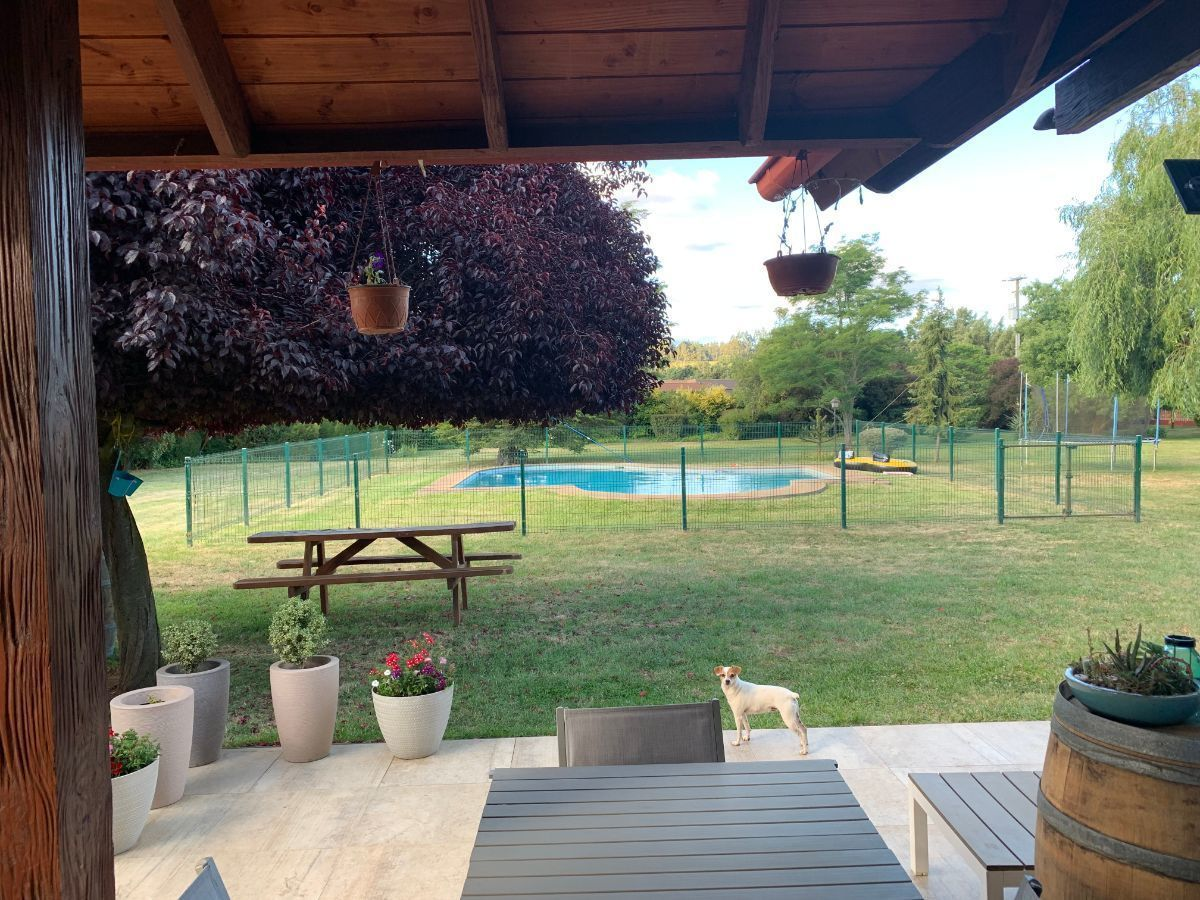 2 de 22: Terraza exterior, patio  y piscina