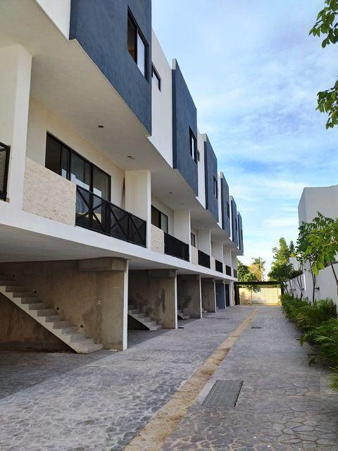 1 de 16: Renta de Townhouse amueblado Montebello, Mérida Yucatán