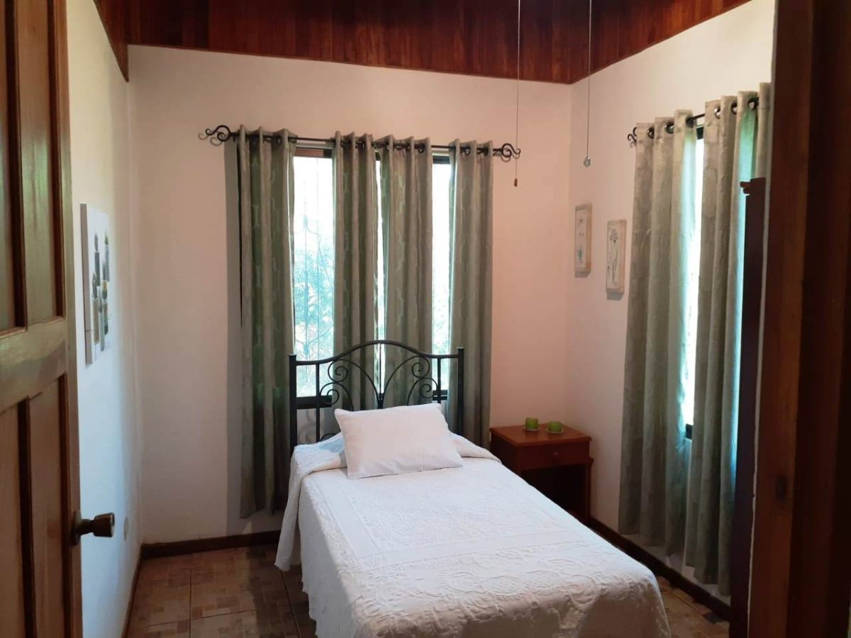 11 of 13: Guest Bedroom