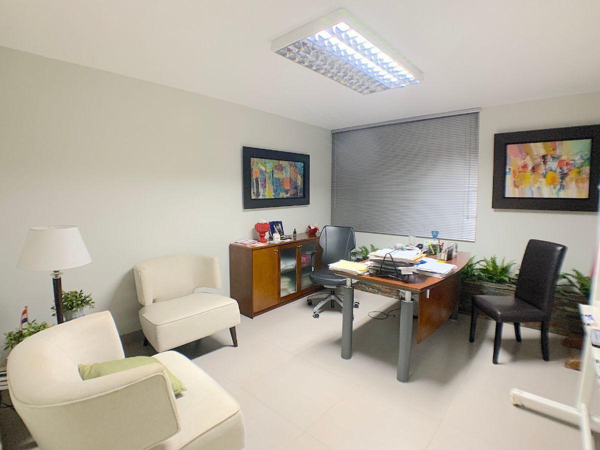 1 de 15: Oficina principal