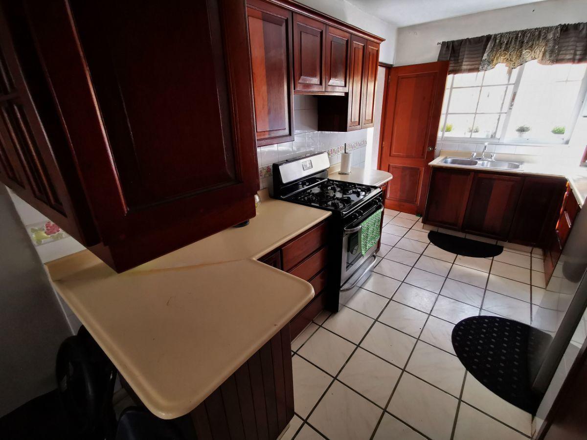 3 de 10: Cocina GRANDE y cómoda