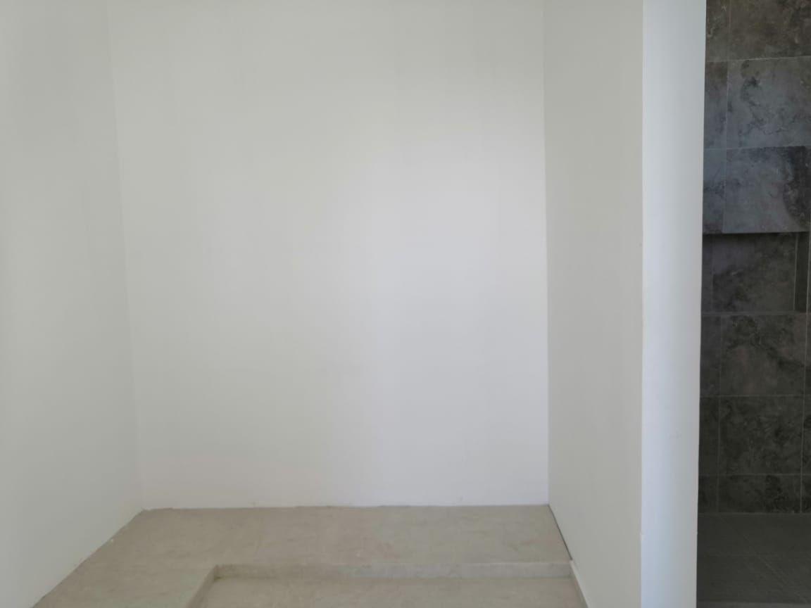 14 de 31: Closet Vestidor Recámara Principal