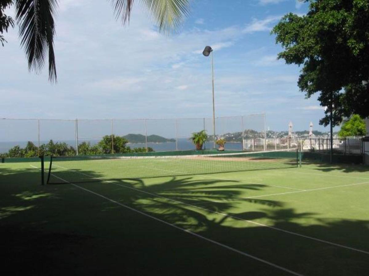 12 de 24: Cancha de Tenis