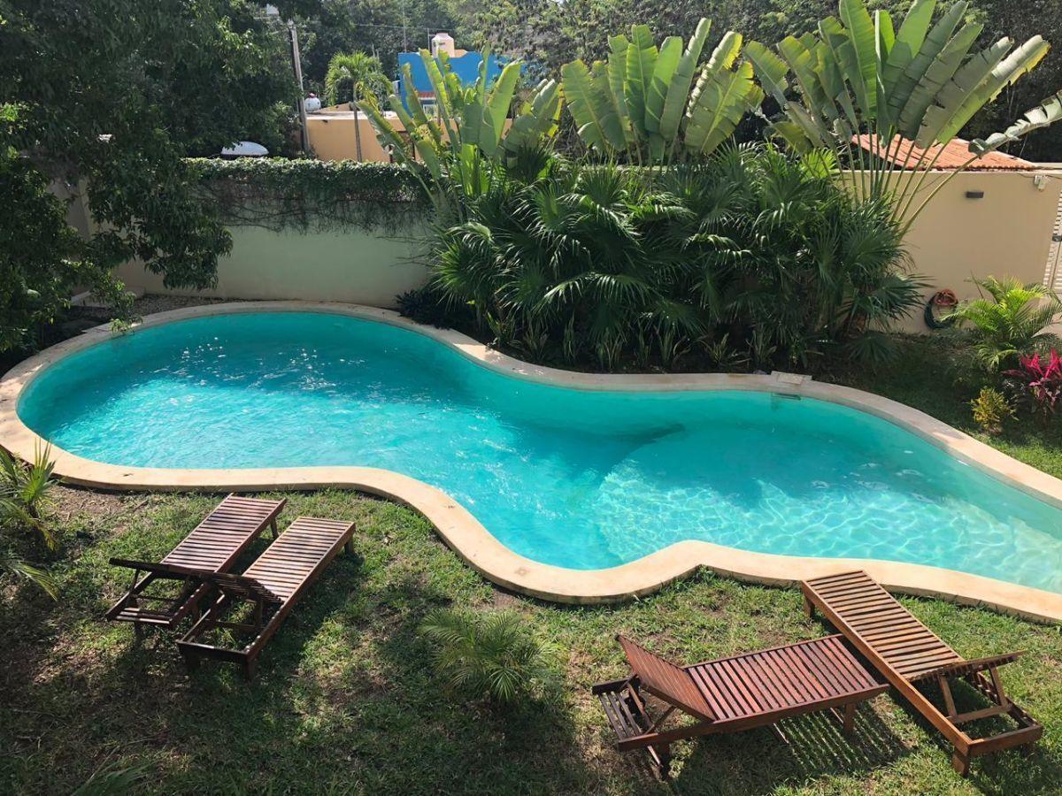 2 de 11: piscina comun