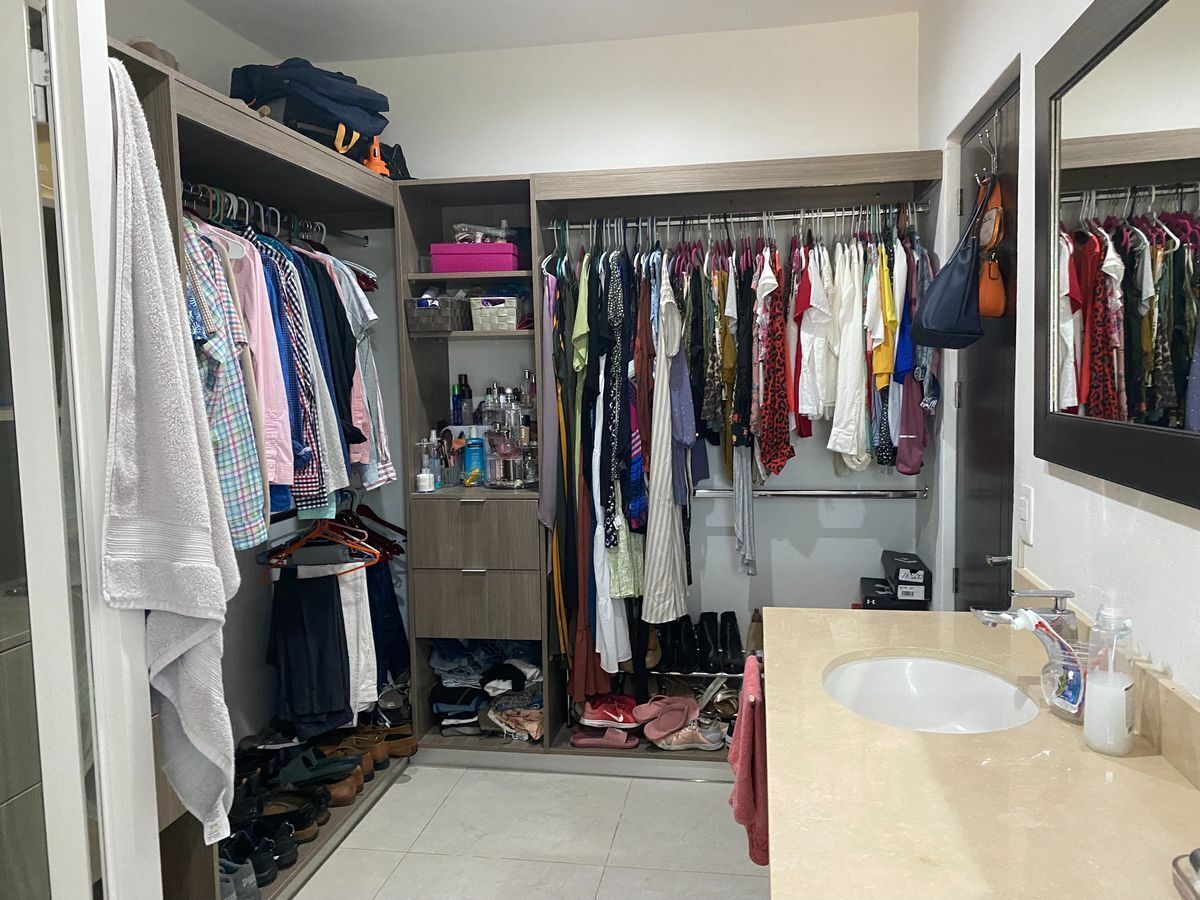 15 de 16: Closet Vestidor