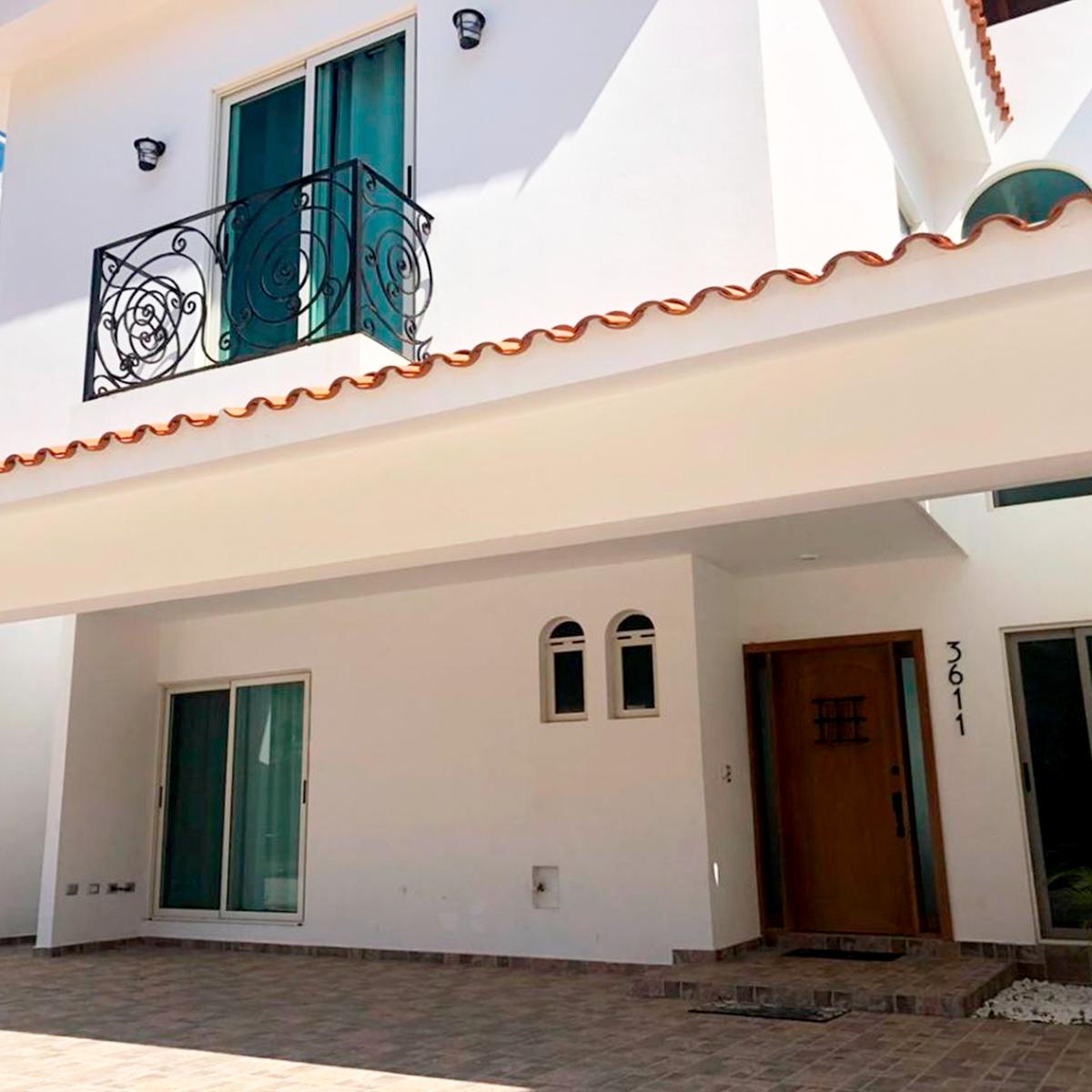 2 de 31: Casa en venta a unos pasos de la playa