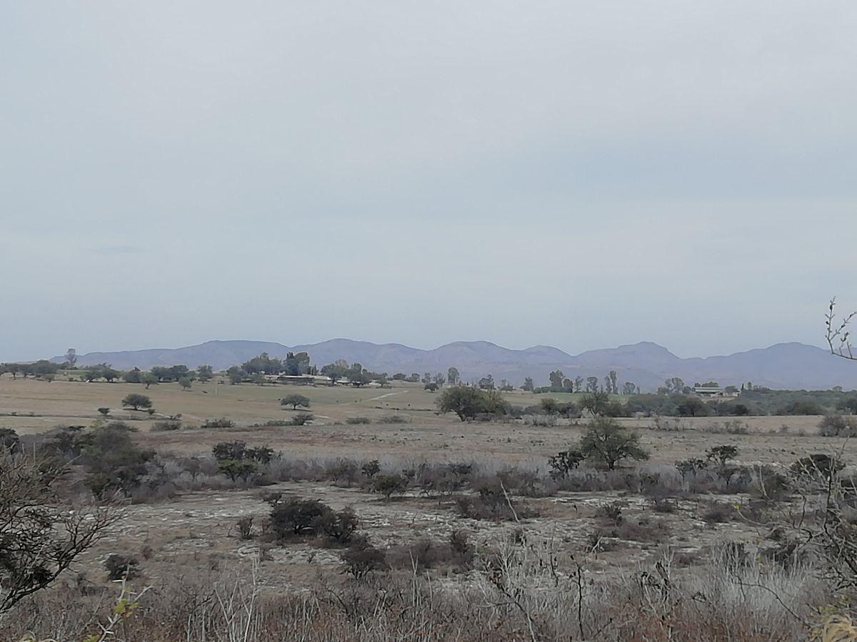 2 de 6: Vista al cerro del muerto