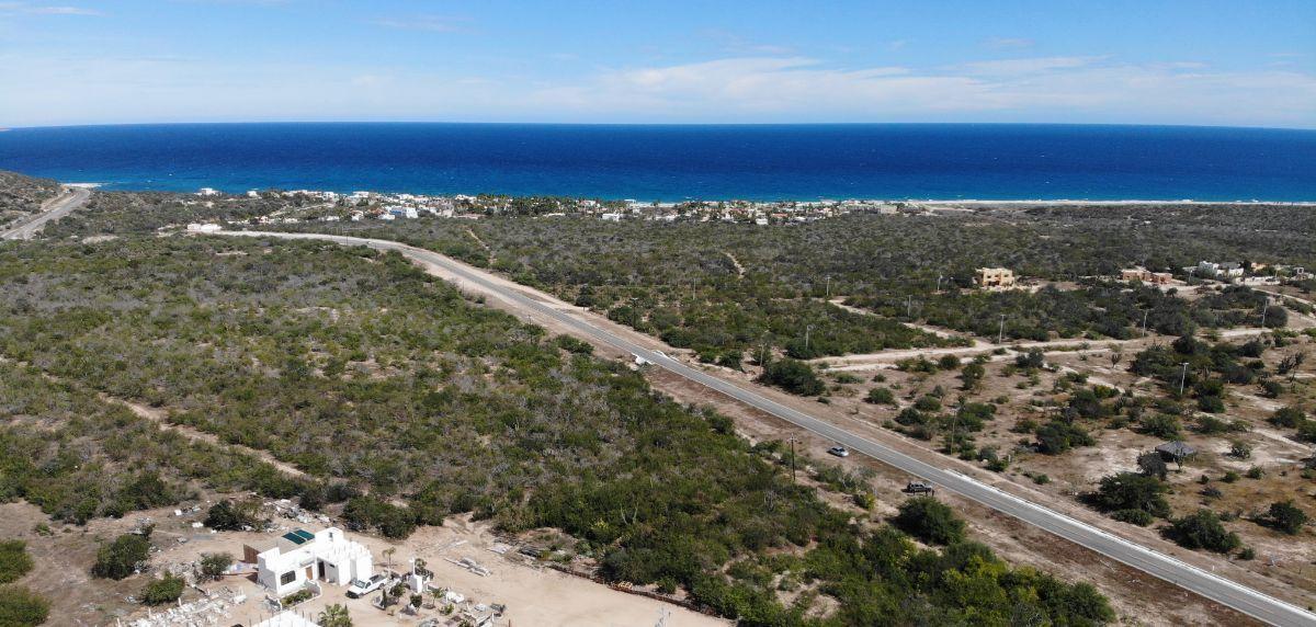 3 de 7: Vista del terreno hacia playa
