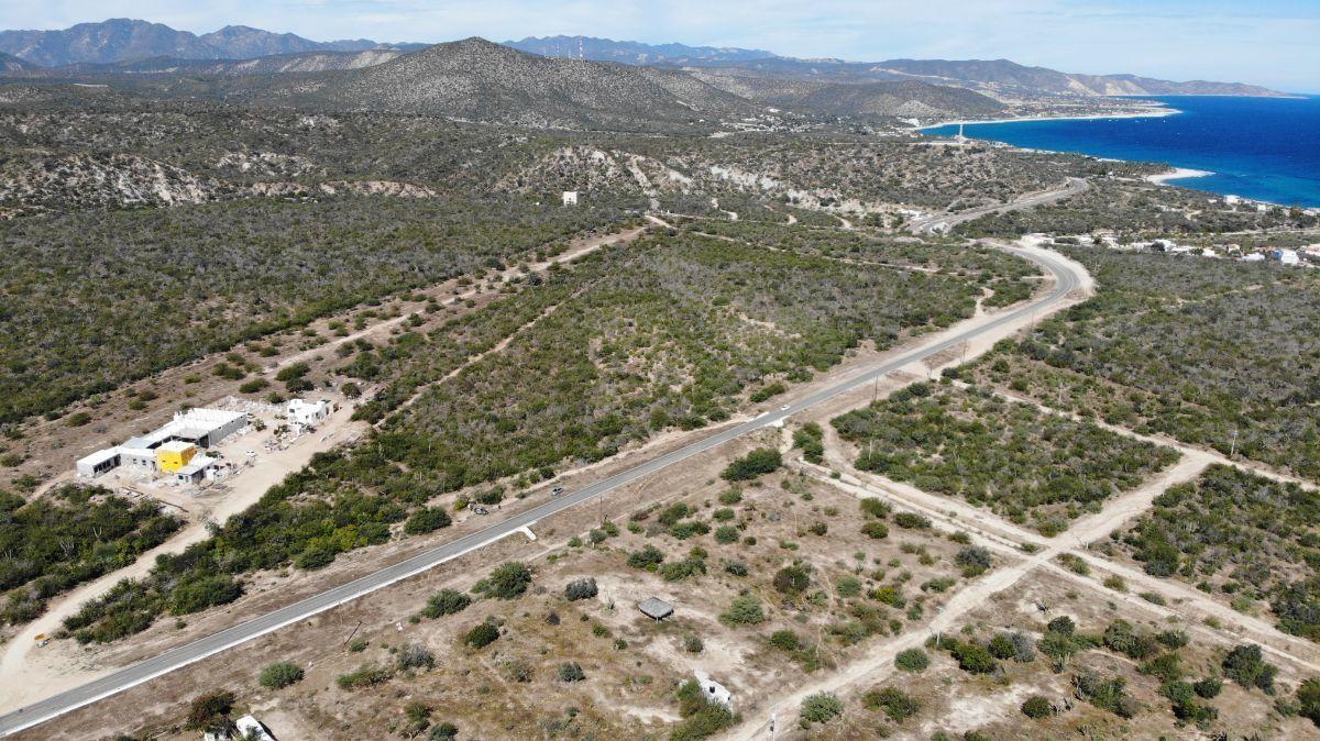 4 de 7: Vista de terreno hacia desierto y playa